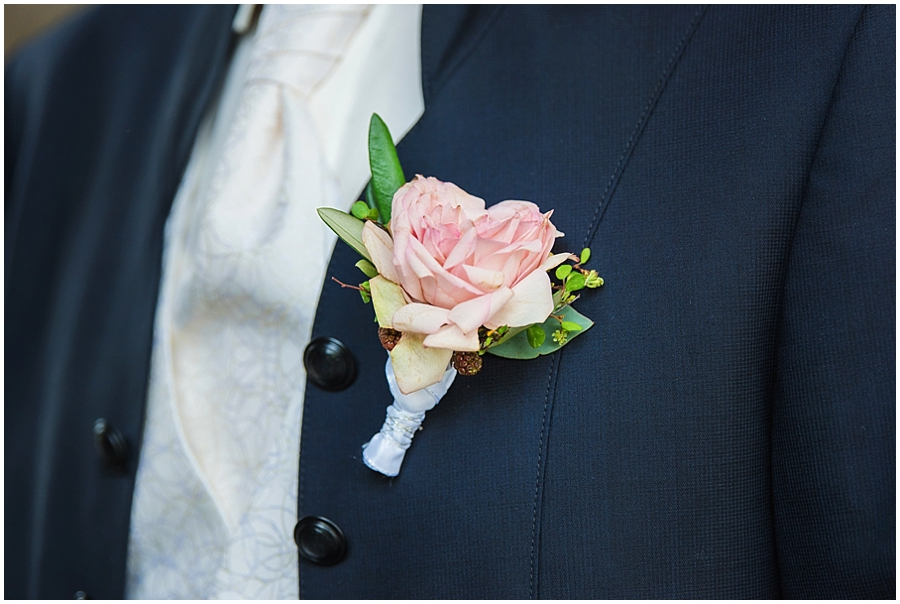 Hochzeit-Ravensburg-Sulzfeld-Hochzeitsfotografin-Monja-Kantenwein