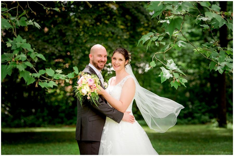 Hochzeitsfotografin-in-Remchingen-Nöttingen-Monja-Kantenwein_
